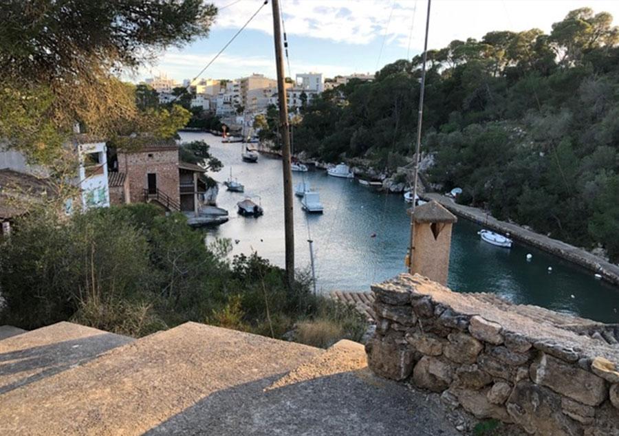 Der Fußweg zum Hafen